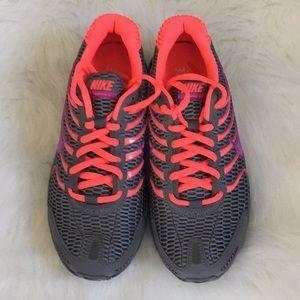 Ladies Nike Air Max Running/Athletic Shoes